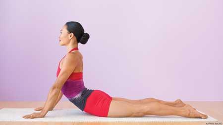 Berbagai Jenis Olahraga Ringan Yang Dibutuhkan Tubuh Setiap Hari - Yoga sederhana