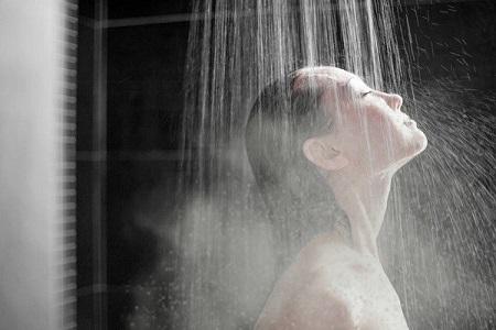Cara Mudah Mengatasi Insomnia - Mandi air hangat