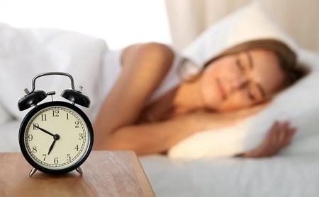 Cara Mudah Mengatasi Insomnia - Terapkan jadwal tidur yang teratur