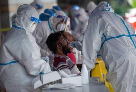 Daftar pekerjaan yang bertahan di tengah pandemi corona - Tenaga kesehatan