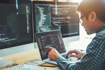 Daftar pekerjaan yang bertahan di tengah pandemi corona - Web Developer