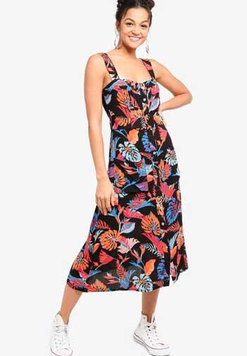 Inspirasi Dress Wanita Terbaru - Sleeveless Midi Dress in Summer Look