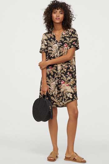 Inspirasi Dress Wanita Terbaru - V-neck Mini Dress in Summer Look