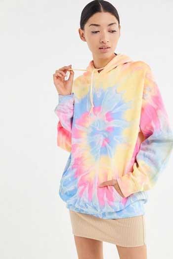 Inspirasi Motif Pakaian Casual Wanita - Motif tie-dye
