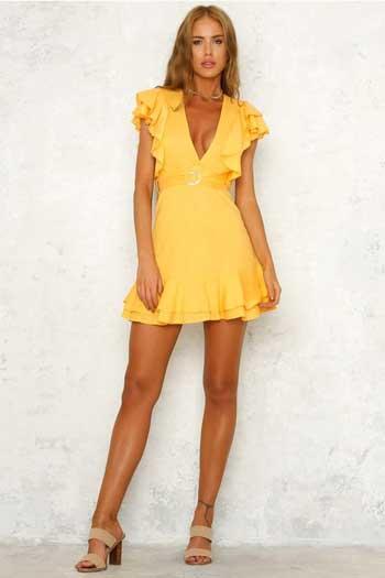 Inspirasi Warna Outfit Sesuai Dengan Warna Kulit Sawo Matang - dress kuning