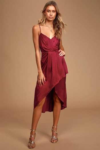 Inspirasi Warna Outfit Sesuai Dengan Warna Kulit Sawo Matang - burgundy
