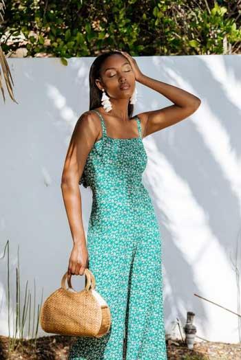 Inspirasi Warna Outfit Sesuai Dengan Warna Kulit Gelap - turquoise