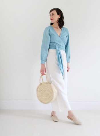 Inspirasi Warna Outfit Sesuai Dengan Warna Kulit Putih - Light Blue Color