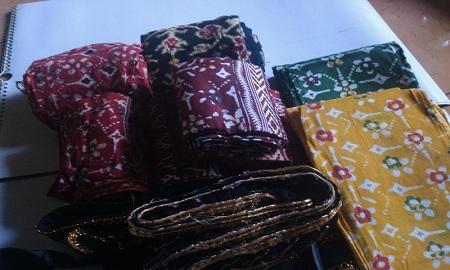 Nama Kelengkapan Pakaian Adat Jawa Tengah - Kain Tapih Tanjung
