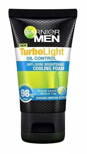 Sabun Cuci Muka Pria Terbaik - Garnier Turbolight Oil Control Anti-Shine Brightening Cooling