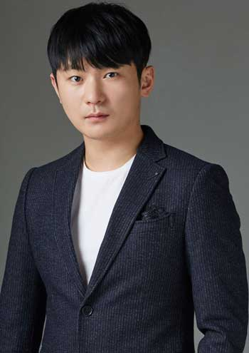 Daftar Pemain Drama Korea It's Okay to Not Be Okay - Kang Ki-doong