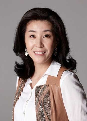 Daftar Pemain Drama Korea It's Okay to Not Be Okay - Kim Mi-kyung
