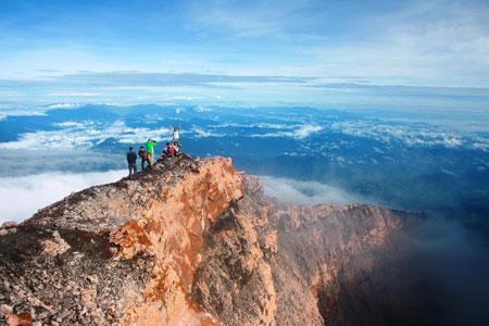 Gunung Di Indonesia Dengan Pemandangan Yang Indah - Gunung Kerinci