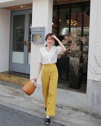 20 Inspirasi Outfit Kasual Wanita Yang Simple dan Minimalis - Blog Unik