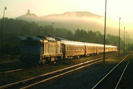 Lintasan Kereta Api Dengan Pemandangan Paling Indah Di Dunia - Danube Express dari Budapest ke Istanbul