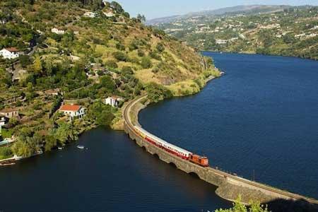 Lintasan Kereta Api Dengan Pemandangan Paling Indah Di Dunia - Douro Line
