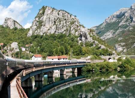 Lintasan Kereta Api Dengan Pemandangan Paling Indah Di Dunia - Golden Eagle Danube Express