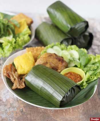 Makanan Khas Sunda Yang Lezat - Nasi Timbel