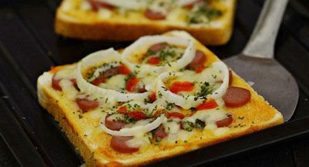 Resep Kreasi Roti Panggang Yang Mudah Dan Lezat - Roti panggang pizza