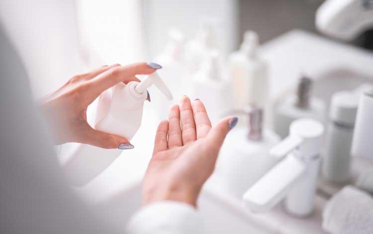 Skincare Terbaik Untuk Mengatasi Wajah Berutusan