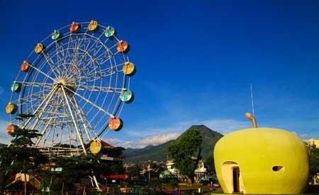 Tempat Wisata Malang Terbaru Dan Terpopuler - Alun-alun Kota Batu