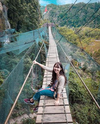 Tempat Wisata Terpopuler Di Makassar Dan Sekitarnya - Helena Sky Bridge Bantimurung