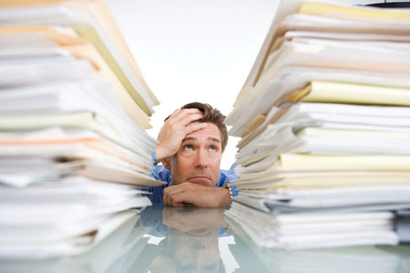 Tipe-Tipe Bos Di Kantor - Bos yang hobi menumpuk pekerjaan