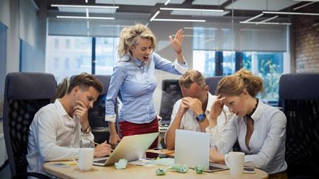 Tipe-Tipe Bos Di Kantor - Tipe bos yang selalu merasa paling benar