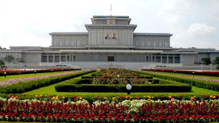 Tempat Wisata Di Dunia Yang Tidak Boleh Difoto - Kumsusan Palace of the Sun