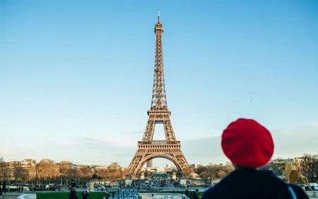 Tempat Wisata Di Dunia Yang Tidak Boleh Difoto - Menara Eiffel