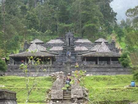 Candi Yang Ada Di Indonesia - Candi Cetho