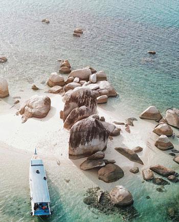 Daftar Tempat Wisata Paling Hits Di Bangka Belitung - Pulau Batu Berlayar