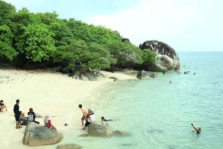 Daftar Tempat Wisata Paling Hits Di Bangka Belitung - Pulau Putri