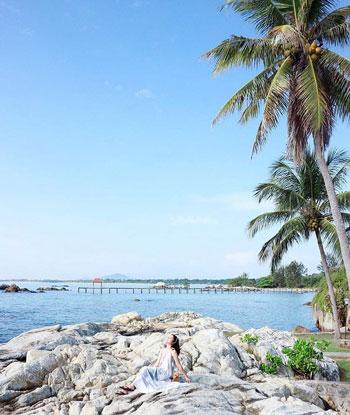 Daftar Tempat Wisata Paling Hits Di Bangka Belitung - Pantai Parai Tenggiri