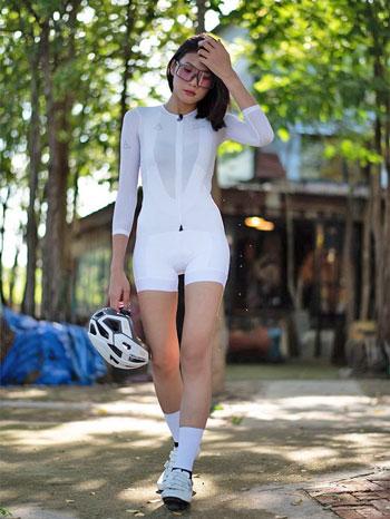 Inspirasi Outfit Bersepeda Yang Trendi dan Kekinian
