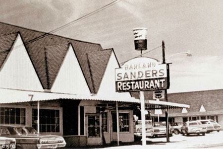 Kisah Inspiratif Kolonel Sanders Hingga Sukses Membangun KFC
