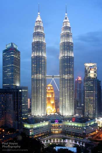 Landmark Terbaik Di Dunia - Petronas Towers, Kuala Lumpur