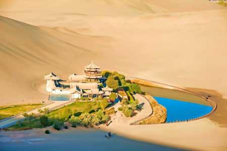 Oasis Terindah Di Dunia - Oasis Bulan Sabit, Dunhuang, Tiongkok