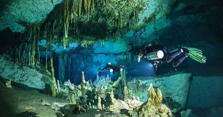 Olahraga Ekstrim Yang Paling Berbahaya - Cave Diving
