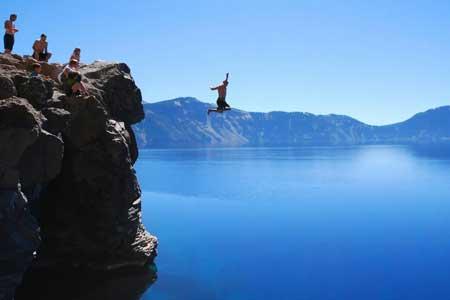 Olahraga Ekstrim Yang Paling Berbahaya - Cliff Diving