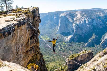 Olahraga Ekstrim Yang Paling Berbahaya - Highlining