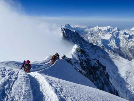 Olahraga Ekstrim Yang Paling Berbahaya - Mountain Climbing