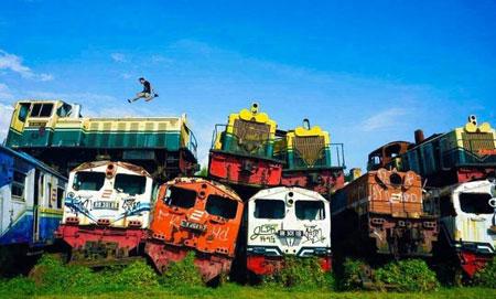 Tempat Wisata Purwakarta - Kuburan Kereta Api