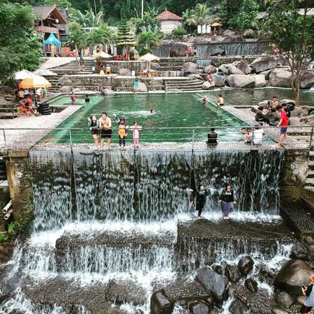 Tempat Wisata Purwakarta - Taman Batu Cijanun