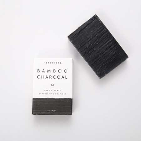 Produk Untuk Mengatasi Komedo Dan Pori-pori - Herbivore Bamboo Charcoal Cleansing Bar Soap