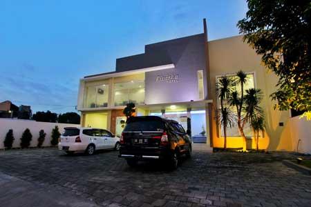 Tempat Bulan Madu Romantis Di Jogja - Rivisha Hotel Yogyakarta