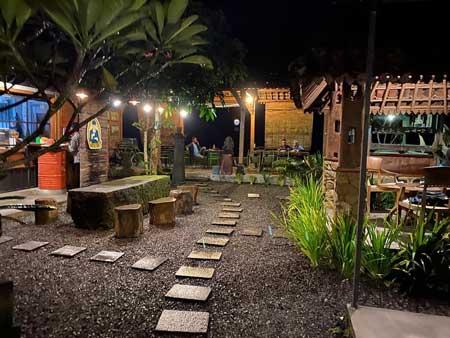 Tempat Wisata Kuliner Magelang - Coffee Dsik Kopi & Eatery