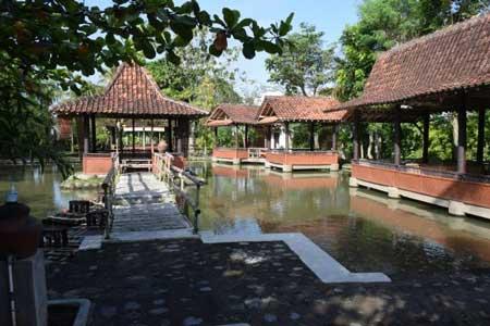 Tempat Wisata Kuliner Magelang - Rumah Makan Bale Kambang