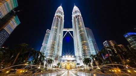 Tempat Wisata Malaysia Terpopuler Dan Instagramable - Menara Kembar Petronas