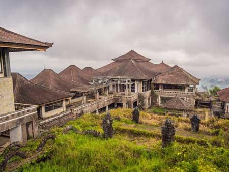Tempat Wisata Paling Angker Di Indonesia - Hotel P.I. Bedugul